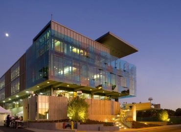 Технологія фасадного скління у будівництві