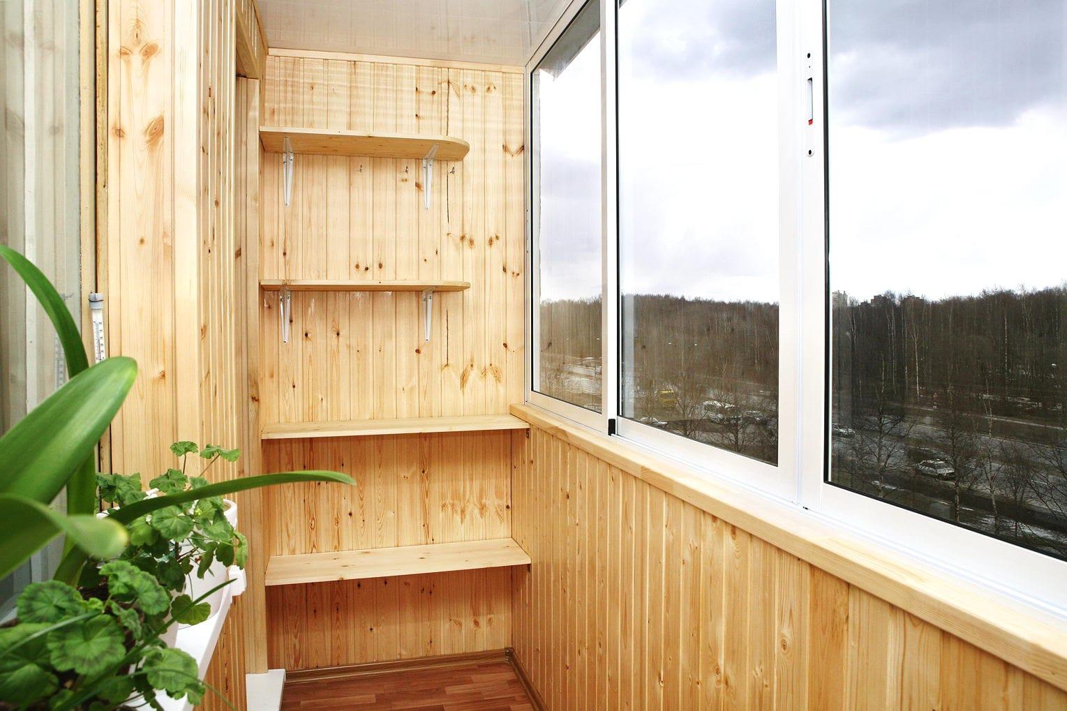 Як вибрати обшивку балкона
